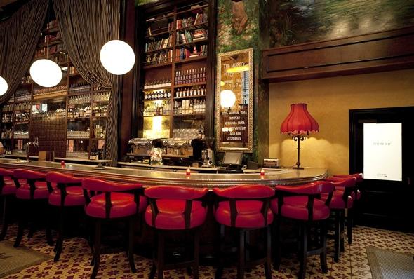 The 7 best happy hour spots in la for Food bar santa monica
