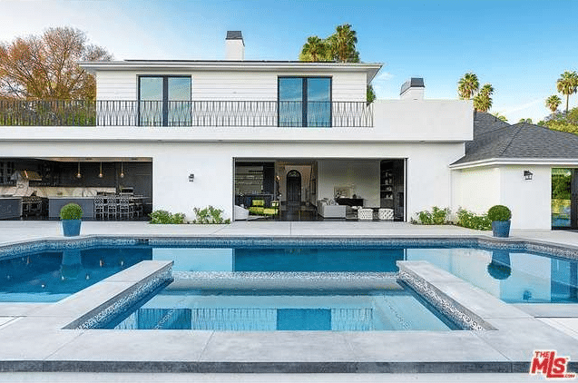 The most expensive mansions for rent in los angeles right for Month to month rental los angeles