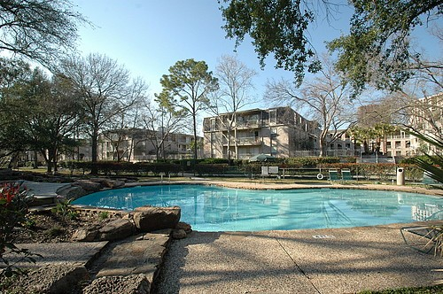 The five best affordable houston apartments right now for Affordable pools houston texas