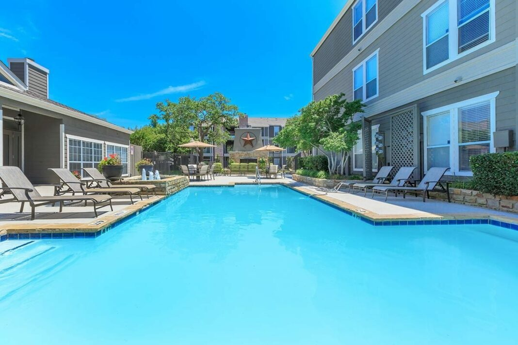 Captivating A Beautiful Large Pool With Firepit Lies At The Heart Of The Complex  Shortly Followed By A Resident Clubhouse. Apartments Feature Spacious  Walk In Closets ...