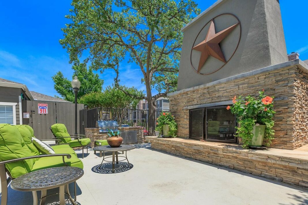the 5 best dallas apartments with pools available now
