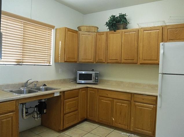 la apartment kitchen