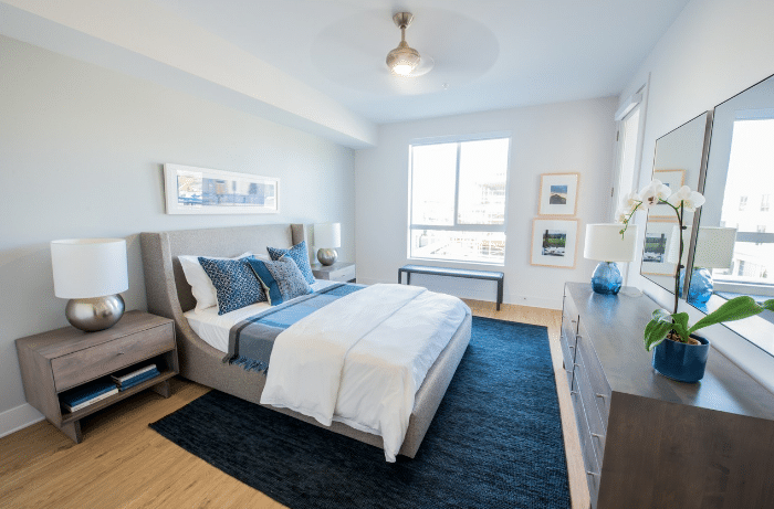 la apartment downtown bedroom