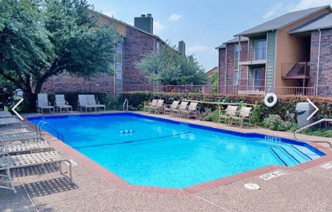 dallas apartments pool