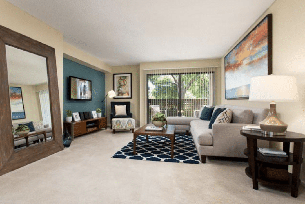 eaves Warner Center Apartments for Rent LA